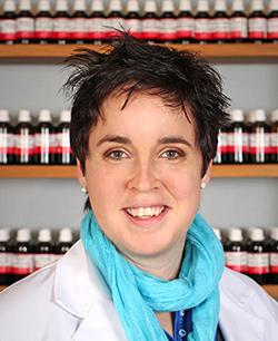 Dr. Anabel Felix